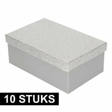 10x kerstversiering kadodoosje/cadeaudoosje zilver/glitter 19 cm