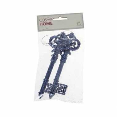 2x blauwe sleutel versieringhanger met glitters 15 cm