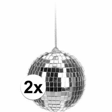 2x kerstboom versiering discoballen zilver 6 cm