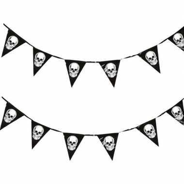 2x piraten thema vlaggenlijnen/slingers 360 cm piraten versiering