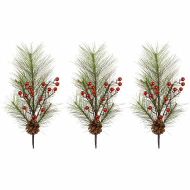 3x kerst versiering dennentakken met rode besjes 60 cm