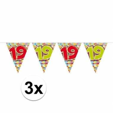 3x mini vlaggenlijn / slinger verjaardag versiering 19 jaar