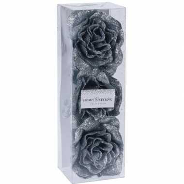 3x zilvergrijze versiering bloemen 6 cm op clip