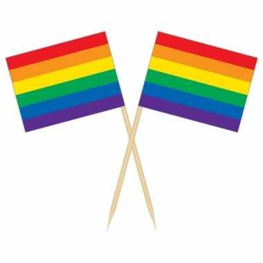 50x cocktailprikkers regenboog vlag 8 cm vlaggetje versiering