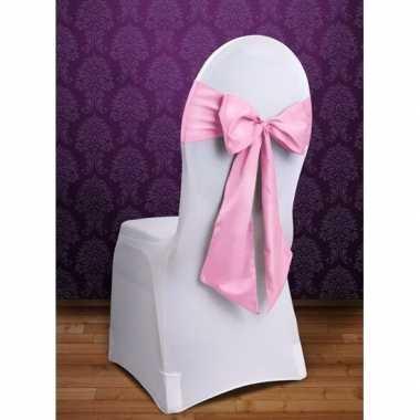Bruiloft stoel versiering licht roze strik