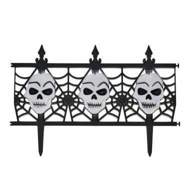 Halloween versiering hekje met schedels