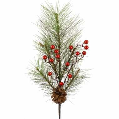 Kerst versiering dennentak met rode besjes 60 cm