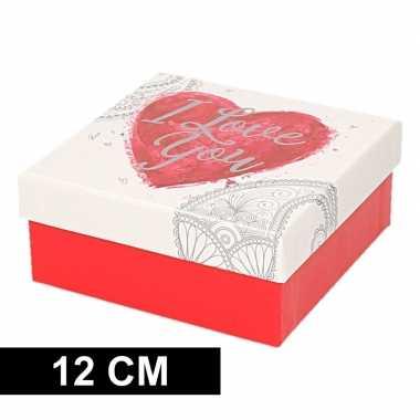 Kerstversiering kadodoosje cadeaudoosje rood wit 12 cm