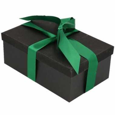 Kerstversiering kadodoosje/cadeaudoosje zwart/glitter 15 cm en donker