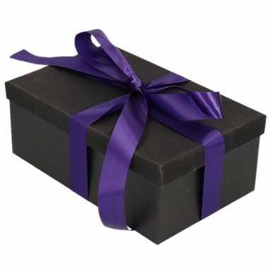 Kerstversiering kadodoosje/cadeaudoosje zwart/glitter 15 cm en paars