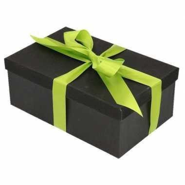 Kerstversiering kadodoosje/cadeaudoosje zwart/glitter 15 cm met licht