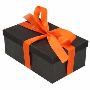 Kerstversiering kadodoosje/cadeaudoosje zwart/glitter 15 cm met oranj