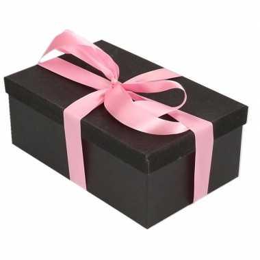 Kerstversiering kadodoosje/cadeaudoosje zwart/glitter 17 cm en zacht