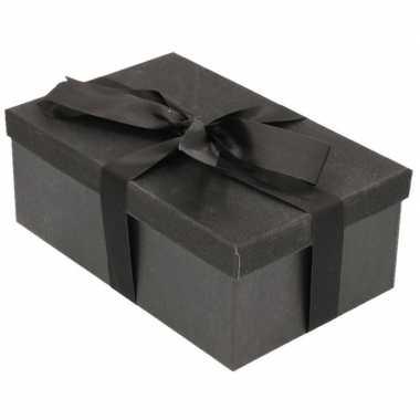 Kerstversiering kadodoosje/cadeaudoosje zwart/glitter 17 cm en zwart