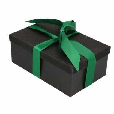 Kerstversiering kadodoosje/cadeaudoosje zwart/glitter 22 cm en donker