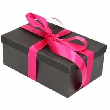 Kerstversiering kadodoosje/cadeaudoosje zwart/glitter 22 cm en fuchsi