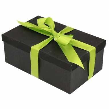 Kerstversiering kadodoosje/cadeaudoosje zwart/glitter 22 cm en lichtg
