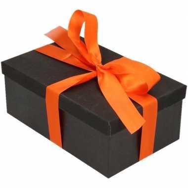 Kerstversiering kadodoosje/cadeaudoosje zwart/glitter 22 cm en oranje