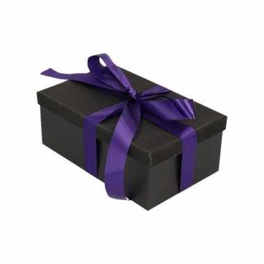 Kerstversiering kadodoosje/cadeaudoosje zwart/glitter 22 cm en paars