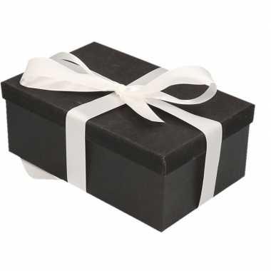Kerstversiering kadodoosje/cadeaudoosje zwart/glitter 22 cm en wit li