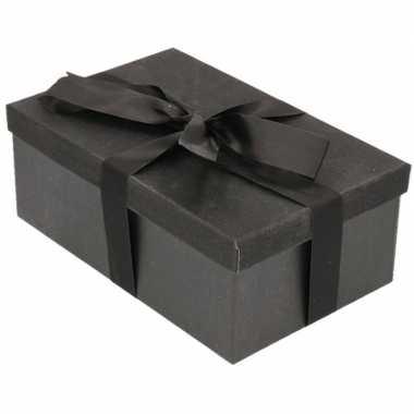 Kerstversiering kadodoosje/cadeaudoosje zwart/glitter 22 cm en zwart