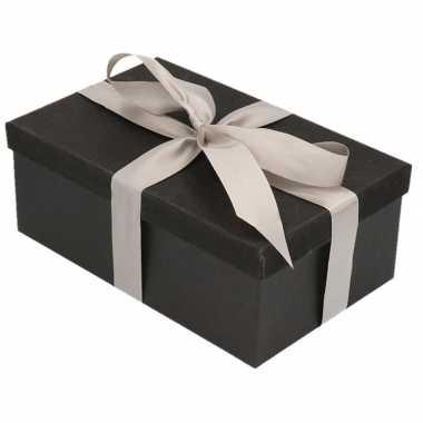 Kerstversiering kadodoosje/cadeaudoosje zwart/glitter 7 cm en zilver