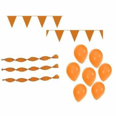 Koningsdag feestpakket met oranje versiering en versiering