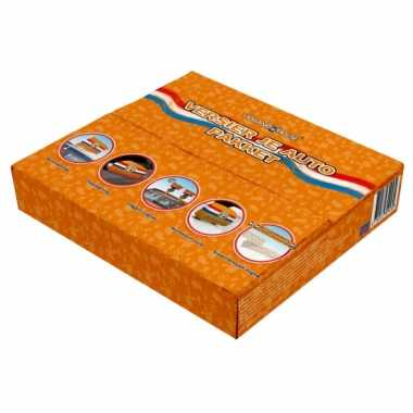 Oranje pakket met versiering voor de auto