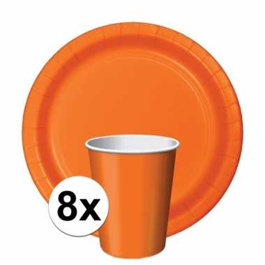 Oranje tafelversiering set 8 bekertjes en 8 bordjes