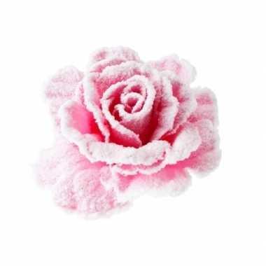 Roze roos met sneeuw op clip 10 cm kerstversiering
