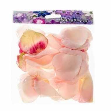 Valentijn 72x roze strooi rozenblaadjes versiering