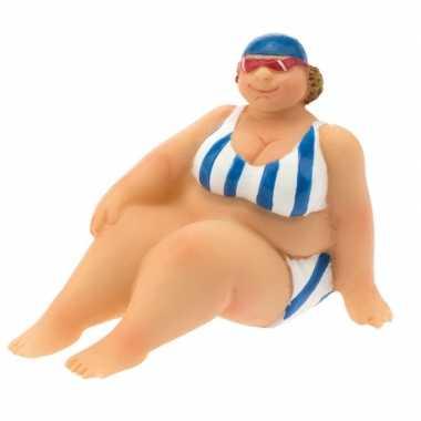 Versiering beeld dikke dame 4 cm in blauw witte bikini