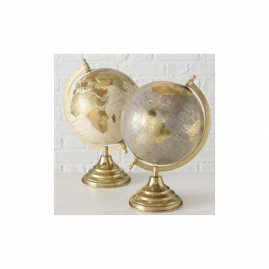 Versiering wereldbol/globe goud/grijs op metalen voet 22 x 34 cm