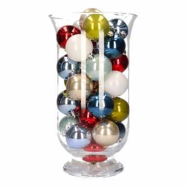 Woonversiering gekleurde kerstballen in vaas