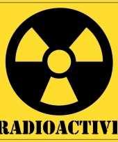 Halloween versiering radioactief radioactive sticker 10 5 cm