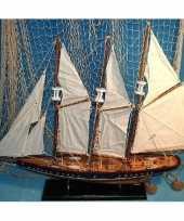 Versiering houten model driemaster zeilschip 64 cm