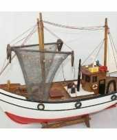 Versiering houten model kotter zeilboot 39 cm