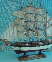 Versiering houten model schip passat 24 cm